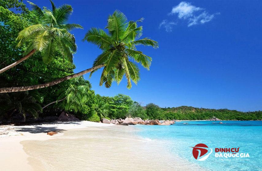 Những bãi biển đẹp không nên bỏ qua khi định cư ở Bồ Đào Nha