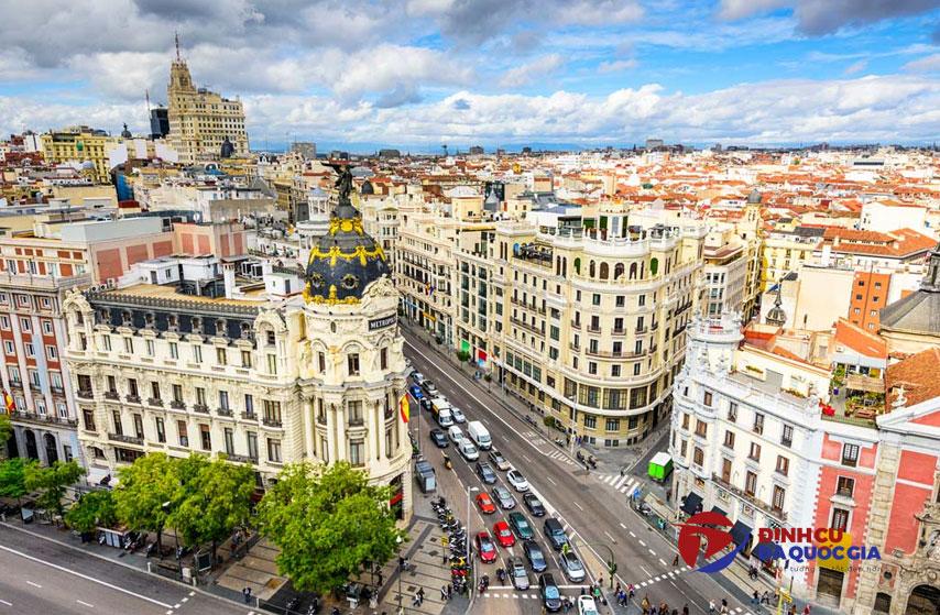 Tận hưởng cuộc sống mới tại Madrid khi định cư Tây Ban Nha